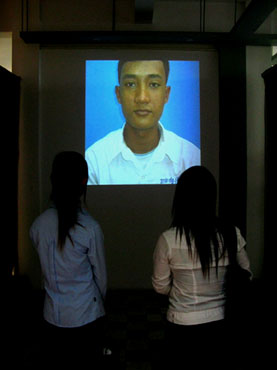 Khavay Samnang, Reminder, Video projection