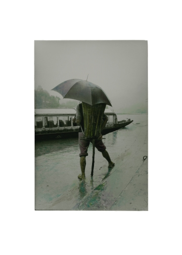 Qi Hong. Backpacker in the Ra, Three Gorges series. Image courtesy Three Shadows Photography Art Centre.